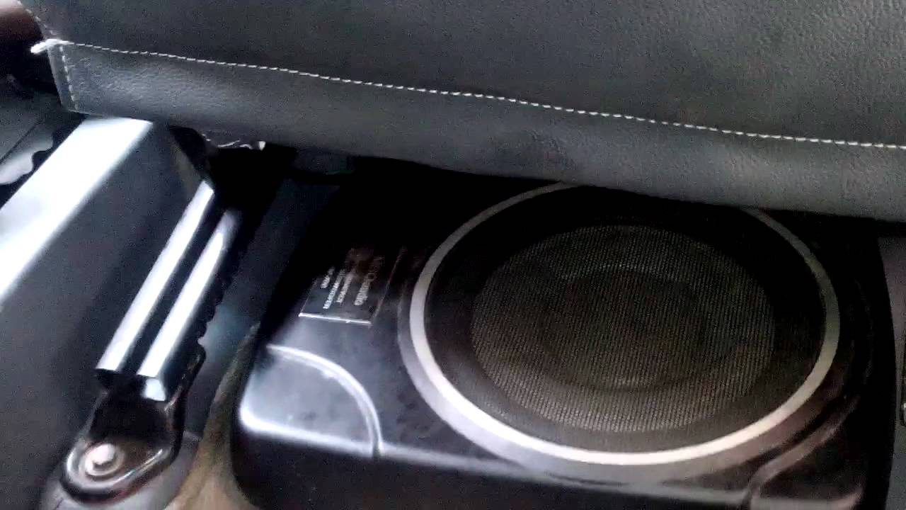 loa siêu trầm cho xe ô tô