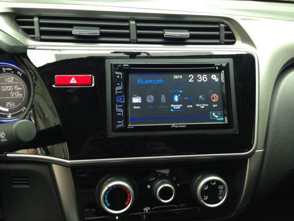 Cách cài đặt và cách dò radio trên ô tô