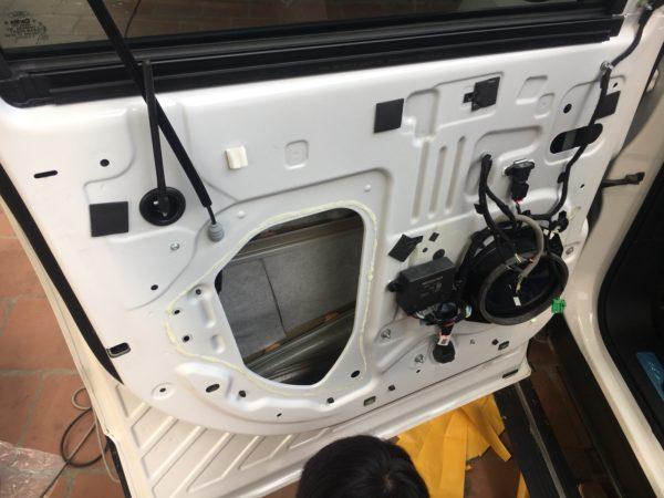 Chống ồn ô tô cho xe Ford Explorer