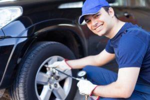 bơm lốp ô tô bao nhiêu là đủ