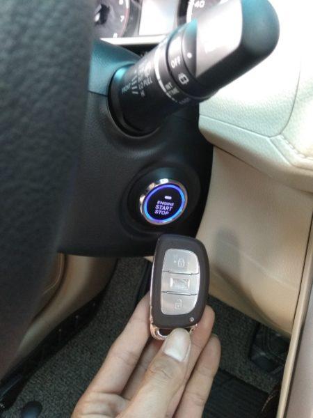 chìa khóa thông minh ô tô