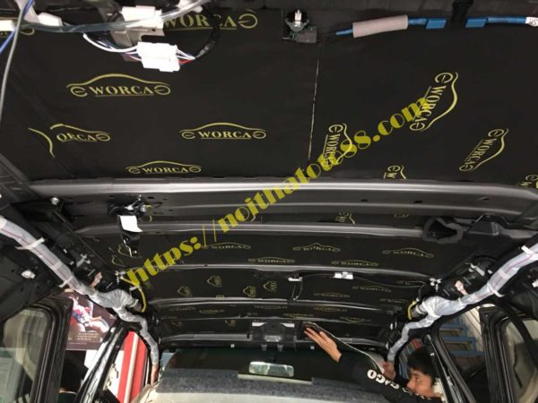 Chống ồn trần xe fortuner