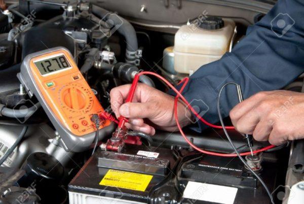 điện áp ắc quy ô tô