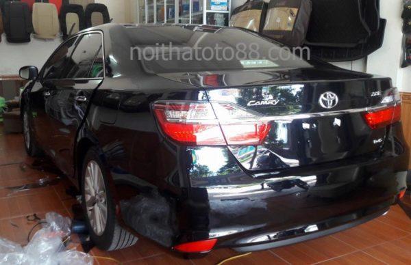 Dán kính chống nắng cho xe Toyota Camry
