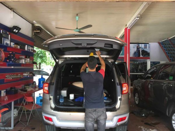 Dan phim cach nhiet 3M Crystalline cho xe Ford Everest 2019