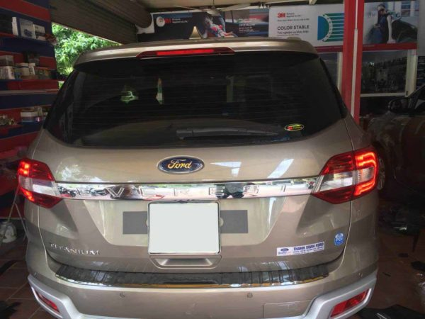Dan phim cach nhiet cho xe Ford Everest